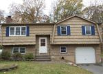 Foreclosed Home en KNOB HILL RD, Meriden, CT - 06451