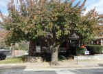 Foreclosed Home en W MAPLE ST, York, PA - 17401