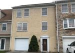Foreclosed Home en COUNTRY RIDGE DR, Red Lion, PA - 17356