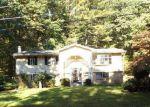 Foreclosed Home en WEDGEWOOD LAKE DR, Stroudsburg, PA - 18360