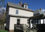 Foreclosed Home en PERRY AVE, Greensburg, PA - 15601