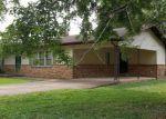 Foreclosed Home en ATKINS DR, Paris, TN - 38242