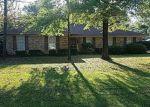 Foreclosed Home en PINEHAARDT DR, Selma, AL - 36701