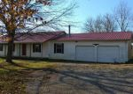 Foreclosed Home en LOG LICK RD, Winchester, KY - 40391
