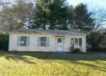 Foreclosed Home en KENWOOD DR, Whitman, MA - 02382