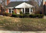 Foreclosed Home en WOODMONT ST, Harper Woods, MI - 48225