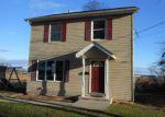 Foreclosed Home en RAVINE WAY, Keyport, NJ - 07735