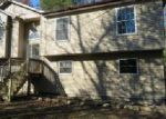 Foreclosed Home en STONY HOLLOW DR, East Stroudsburg, PA - 18302