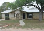 Foreclosed Home en W ALAMO ST, Carrizo Springs, TX - 78834