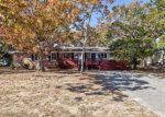 Foreclosed Home en NE 30TH ST, Oak Island, NC - 28465