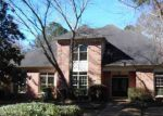Foreclosed Home en SAINT ANDREWS DR, Jackson, MS - 39211