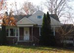 Foreclosed Home en BEDFORD AVE, Cherry Hill, NJ - 08002