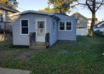 Foreclosed Home en BEECHWOOD AVE, Keansburg, NJ - 07734