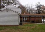 Foreclosed Home en S WESTCHESTER DR, Petersburg, VA - 23805
