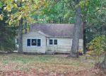 Foreclosed Home en OLD LAKE RD, Lake Ariel, PA - 18436