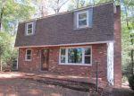 Foreclosed Home en CASTLE DR, Montross, VA - 22520