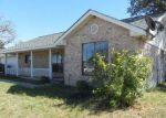 Foreclosed Home en LAKE VALLEY DR, La Vernia, TX - 78121