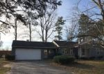 Foreclosed Home en E CARLETON RD, Adrian, MI - 49221