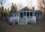 Foreclosed Home en LUTY DR, Hyde Park, NY - 12538