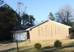 Foreclosed Home en C W WEBB RD, Gautier, MS - 39553