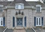 Foreclosed Home en CLINTON PL, Burnsville, MN - 55337