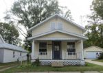 Foreclosed Home en W MONTCALM ST, Greenville, MI - 48838