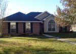 Foreclosed Home en OAK DR, Albany, LA - 70711