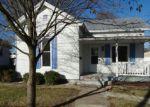 Foreclosed Home en E MICHIGAN AVE, Jacksonville, IL - 62650