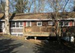 Foreclosed Home en ORIOLE WAY, East Stroudsburg, PA - 18302