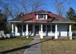 Foreclosed Home en W MAIN ST, Wakefield, VA - 23888