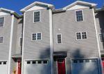Foreclosed Home en S MAIN ST, Jewett City, CT - 06351