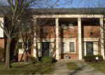 Foreclosed Home en FLEETWOOD DR, Harper Woods, MI - 48225