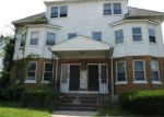Foreclosed Home en OAK ST, Manchester, CT - 06040