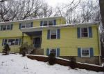 Foreclosed Home en DEBORAH DR, Coventry, CT - 06238