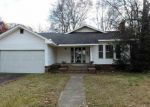 Foreclosed Home en PINE BLUFF ST, Malvern, AR - 72104