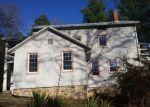 Foreclosed Home en CAVE MOUNTAIN LAKE RD, Natural Bridge Station, VA - 24579