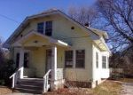 Foreclosed Home en COLUMBIA HEIGHTS OVAL, Charlestown, RI - 02813