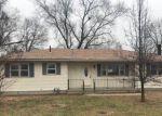 Foreclosed Home en N 14TH ST, Osage City, KS - 66523