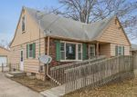 Foreclosed Home en E MADISON AVE, Des Moines, IA - 50313