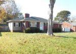 Foreclosed Home en SELLGER DR, Norfolk, VA - 23502