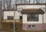 Foreclosed Home en WOODLAND DR, East Stroudsburg, PA - 18301