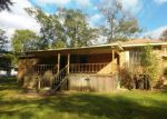 Foreclosed Home en 2ND AVE SW, Magee, MS - 39111