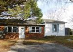 Foreclosed Home en GREEN TREE LN, Bear, DE - 19701