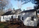 Foreclosed Home en DOUGLAS ST, Uxbridge, MA - 01569