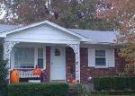 Foreclosed Home en TAFFY ANN DR, Louisville, KY - 40228