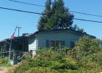 Foreclosed Home en KLIMEBACK ST, Myrtle Creek, OR - 97457