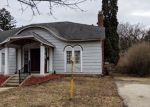 Foreclosed Home en W HARRISON ST, Freeport, IL - 61032
