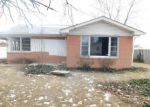Foreclosed Home en DENOIS ST, Columbus, IN - 47201
