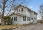 Foreclosed Home en PLEASANT VIEW DR, Des Moines, IA - 50315
