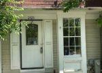 Foreclosed Home en CEDAR BARN WAY, Windsor Mill, MD - 21244